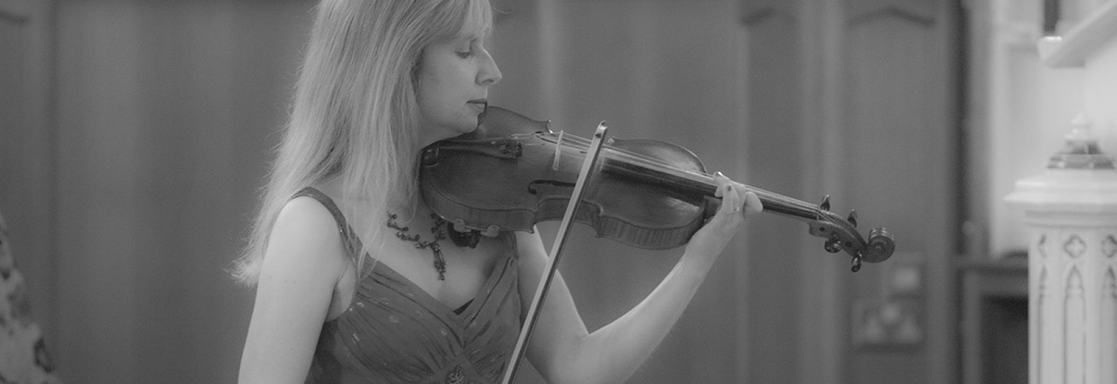 sue-aston-composer-violin